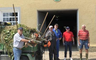 immer wieder dienstags: fleißige Mitglieder verstärken Greenkeeper-Team